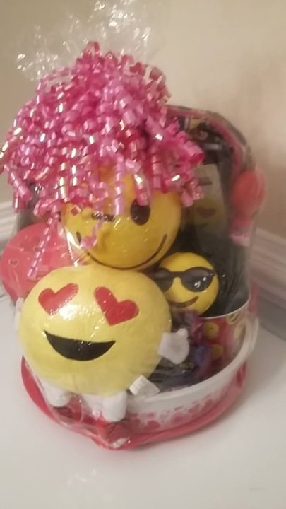 Have a special occasion  coming up. No better way to celebrate then with a custom made gift basket. Taking orders now fo...