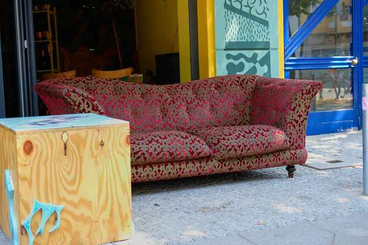 """Hey fam,Today we say goodbye to an old friend, one that has been with BAOBAB from its inception, the """"kamine couch"""".... ..."""